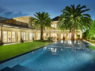 Perfect House with Internet Access and A/C - Toorak vacation rentals