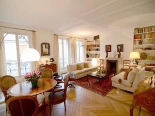 Vacation Rental in Paris Near Eiffel Tower - Issy-les-Moulineaux vacation rentals