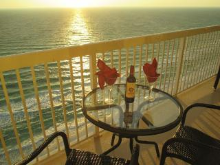 "Luxurious, King Master Bed,Kitchen & Views, 55"" TV - Panama City Beach vacation rentals"