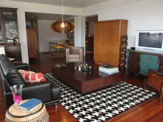 Comfortable Condo in Funchal with Garden, sleeps 8 - Funchal vacation rentals