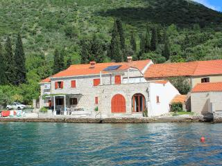 SEA HOUSE 1,comfortable apartment on waterfront - Zaton vacation rentals