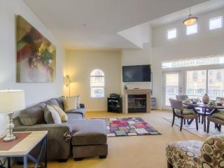 2+2 Westwood furnished luxury next to UCLA - Los Angeles vacation rentals