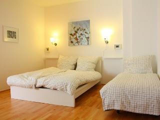 Berlin Fuffa s 40m2 apartment,  free wifi!!! - Berlin vacation rentals