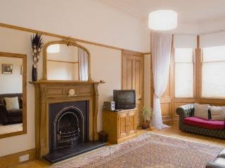 MARCHMONT MAIN DOOR, Spottiswoode Road, Edinburgh, Scotland - - Peebles vacation rentals