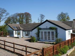 WEST FEAL COTTAGE, Near Scotlandwell, Kinross-shire, Scotland - - Perth and Kinross vacation rentals