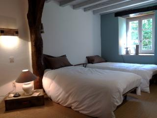 4 bedroom Gite with Internet Access in Brassac - Brassac vacation rentals
