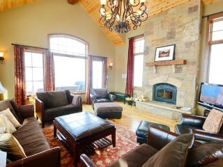 Luxury! Hot Tub! Slps 13! - Crested Butte vacation rentals