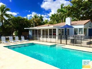 Waterfront, close to beach, heated pool - Fort Lauderdale vacation rentals