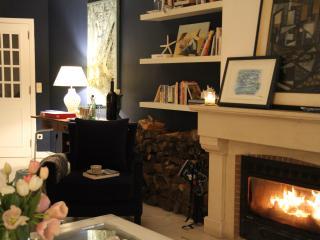Sunny,cozy, Cascais center apt - Cascais vacation rentals