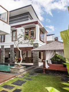Canggu Luxury 2 Bedroom Near To Everywhere - Image 1 - Seminyak - rentals