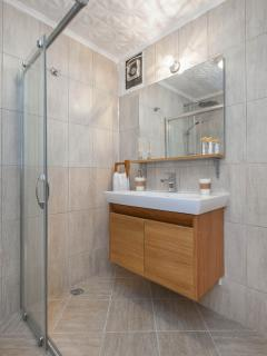 Bathroom - 4 Bedroom Connection Flat İN Ci̇ty Center - Istanbul - rentals