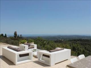Nice Villa with Internet Access and Dishwasher - Chateauneuf de Grasse vacation rentals