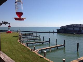 3BR/2BA Condo on the Water, Rockport/Port Aransas, Sleeps 10 - Rockport vacation rentals