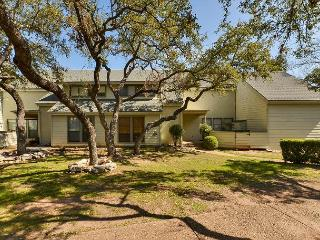 3BR/2BA Lakeway Condo, minutes from Lake Travis Marinas, Sleeps 6 - Buffalo Gap vacation rentals