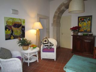 The courtyard - Syracuse vacation rentals