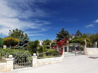 Villa Dalmata with pool - 150 meters from the sea - Rogoznica vacation rentals