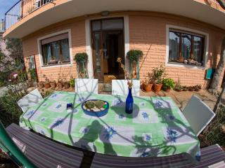 Apartment Jabuka for 4-5 with garden - Mali Losinj vacation rentals