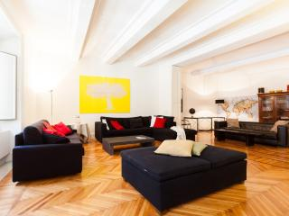 Piazza Navona Luxury 5BR - Rome vacation rentals