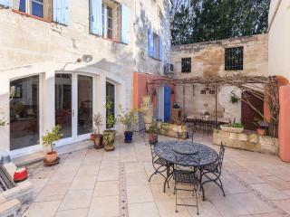 Charming house in Avignon city - Vaucluse vacation rentals