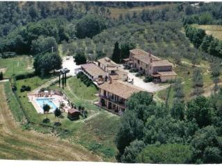 Agriturismo Il Pino  appartamento Salvia - Deruta vacation rentals