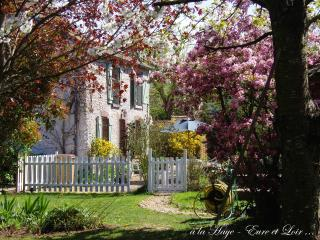 Nice 2 bedroom Gite in Saint-Lubin-de-la-Haye - Saint-Lubin-de-la-Haye vacation rentals