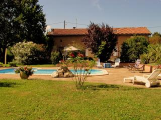 Nice Guest house with Internet Access and Central Heating - Donneville vacation rentals