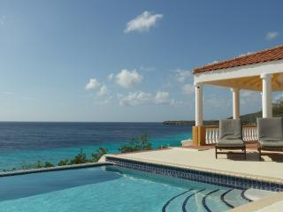 Colonial Villa (No Bolivares, cash) - Willemstad vacation rentals