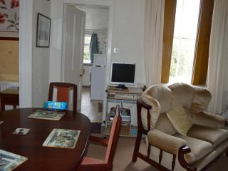 TWO BEDROOM HOLIDAY HOME IN DUNFERMLINE - Dunfermline vacation rentals