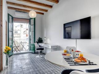 New 2 bedroom Poble Sec Montjuic - Barcelona vacation rentals