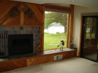 Tripp Lake townhouse - overlooking lake - Dresden vacation rentals