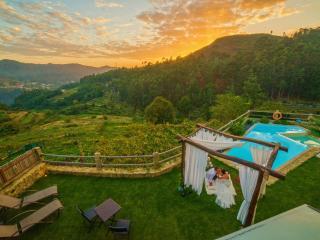 Casa com requinte, lareira, sauna, piscina... - Soajo vacation rentals