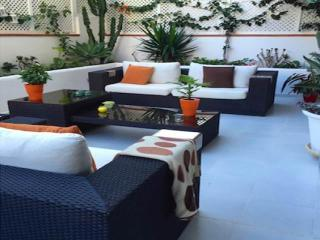 Luxury Appt & Pool in Heart of Sitges by the Beach - Sitges vacation rentals