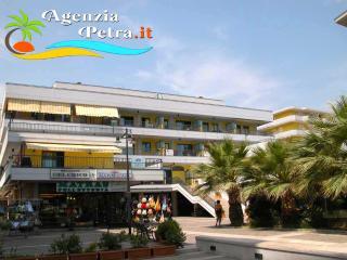 APPARTAMENTI ALBA ADRIATICA EL CHICO - Alba Adriatica vacation rentals