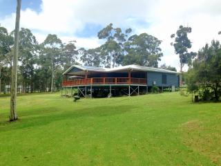 Beautiful Bed and Breakfast in Moruya with Deck, sleeps 3 - Moruya vacation rentals