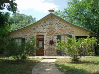 Lovely 2 bedroom Guest house in Mason with Internet Access - Mason vacation rentals