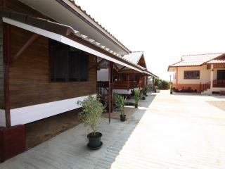 1 bedroom Bed and Breakfast with Internet Access in Chiang Rai - Chiang Rai vacation rentals