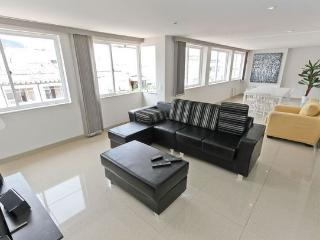 RioBeachRentals - Penthouse on Beach Block - #312 - Copacabana vacation rentals