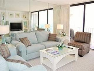 Living Room - queen sleeper for two - Amazing View of the Gulf and Pools at Edgewater Beach Resort - Panama City Beach - rentals