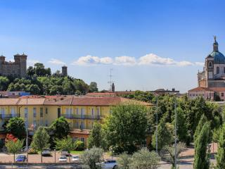 6px flat or bedrooms whit wifi breakfast kitchen - Montichiari vacation rentals
