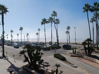 Popular Oceanfront Upper Back Studio! (68326) - Newport Beach vacation rentals