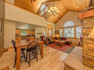 Upscale Vacation Home Near Suncadia! Slps 11 | Hot Tub | FREE NIGHTS! - Cle Elum vacation rentals