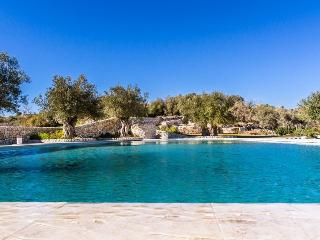 Luxury Villa with large saltwater pool - Giarratana vacation rentals