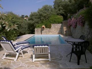Comfortable Villa with Internet Access and Dishwasher - Montauroux vacation rentals