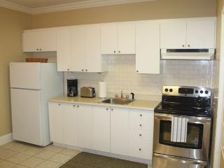 2 Bedroom Prime location in centre of the Old City - Quebec City vacation rentals