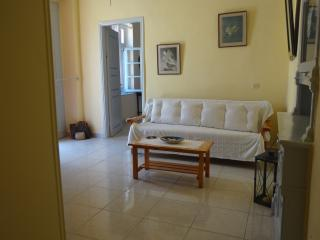 Cozy 2 bedroom Guest house in Gialos with Internet Access - Gialos vacation rentals