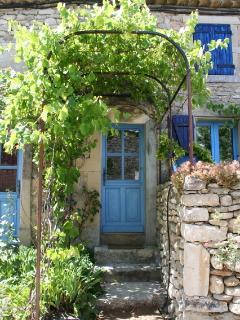 Adorable 5 bedroom Gite in Chantemerle-les-Grignan with Internet Access - Chantemerle-les-Grignan vacation rentals