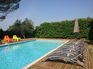 Bright Sablet House rental with Internet Access - Sablet vacation rentals