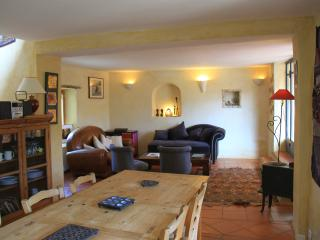 Nice Gite with Internet Access and Satellite Or Cable TV - Chantemerle-les-Grignan vacation rentals