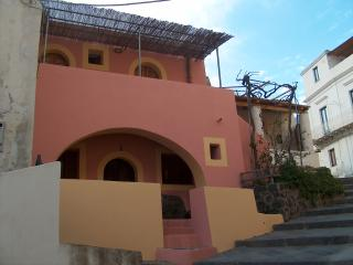 Nice Condo with A/C and Balcony - Leni vacation rentals