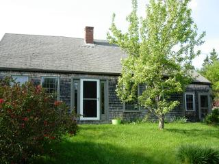 charming 1790's farmhouse retreat - Sullivan vacation rentals